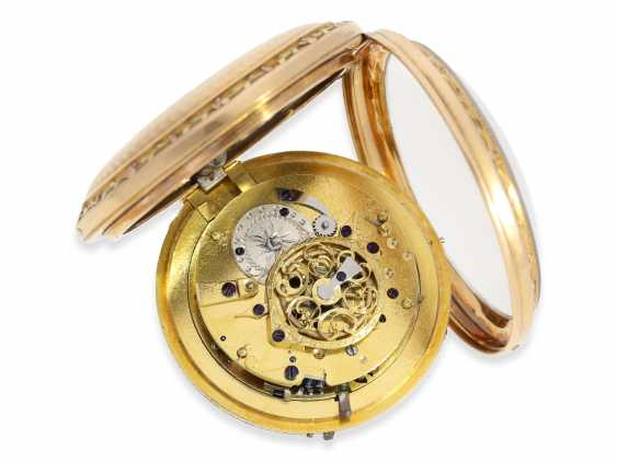 Pocket watch: a magnificent 3-colors-gold watch with strike on bell, excellent original condition, probably Geneva to 1800 - photo 4