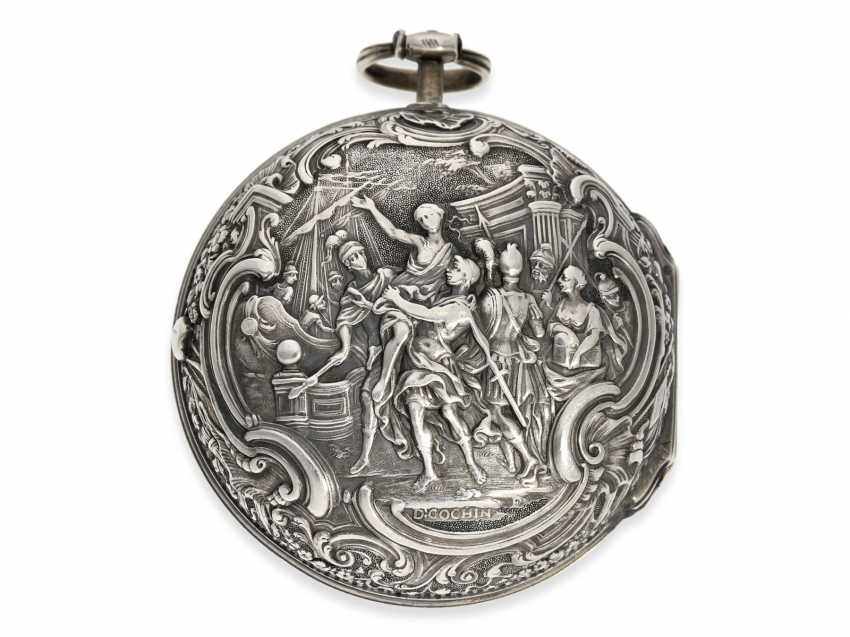 Pocket watch: an exceptionally large and magnificent repoussé technology-Spindeluhr, outstanding housing quality, signed Cochin-housing, Wilter London No. 3991, CA. 1760 - photo 2