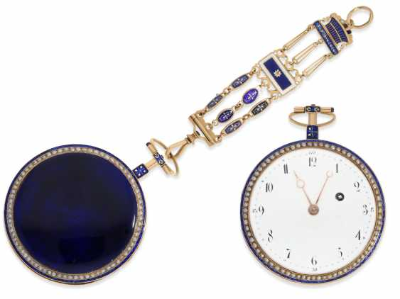 Pocket watch: very large Gold/enamel Spindeluhr with beaded trim and with the original Gold/enamel Chatelaine, probably Compagnie Duchene CA. 1790 - photo 1