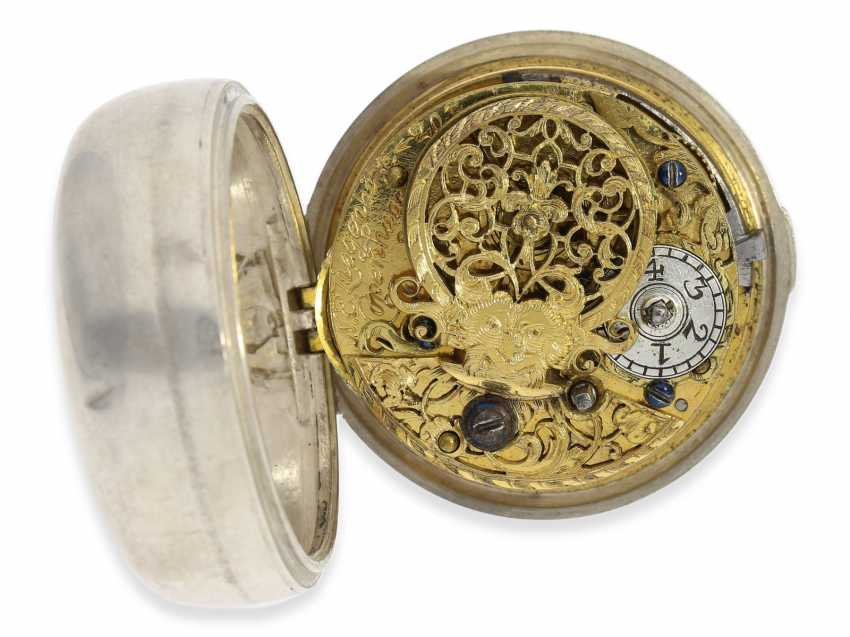 Pocket watch: exceptional and very rare, early German-Danish double case repoussé technology Spindeluhr to 1720, Ernst Nicolai goats Copenhagen No. 201,1 shepherd. Master in Copenhagen, originally from Uelzen, Northern Germany, native, recorded from 1692 - photo 4