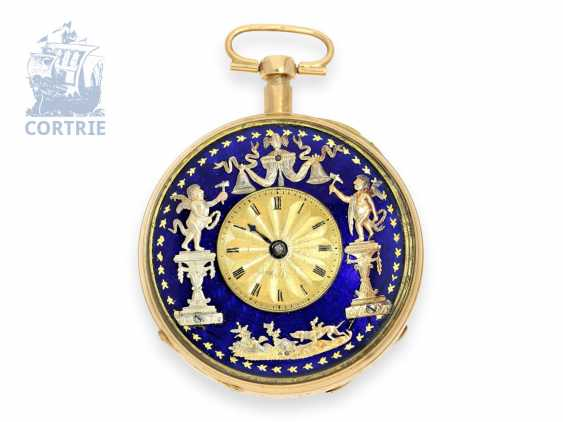 Pocket watch: unusual, large Vienna Percussion pocket watch with repoussé technology-case and the figure of automaton Jacquemart, Caspar Kaufmann in Vienna, around 1815 - photo 4