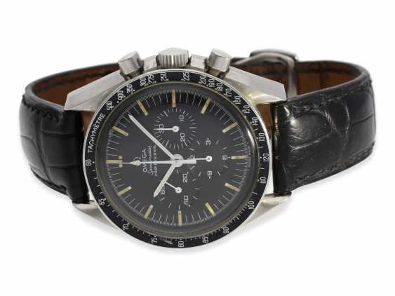 "Watch: sought-after Omega Speedmaster ""Moonwatch"" Chronograph of 1969, reference 145022 - 69 ST, including the original steel bracelet and Box - photo 1"