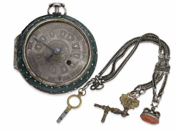 Pocket watch/Karossenuhr: exceptionally large Oignon with percussion, Royal watchmaker Jerome Martinot, Paris, circa 1700 - photo 1