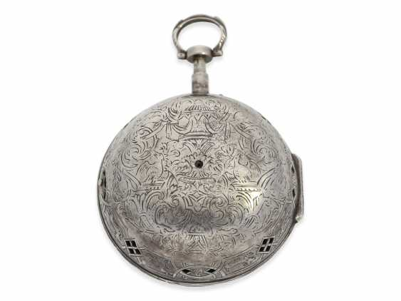 Pocket watch/Karossenuhr: exceptionally large Oignon with percussion, Royal watchmaker Jerome Martinot, Paris, circa 1700 - photo 5