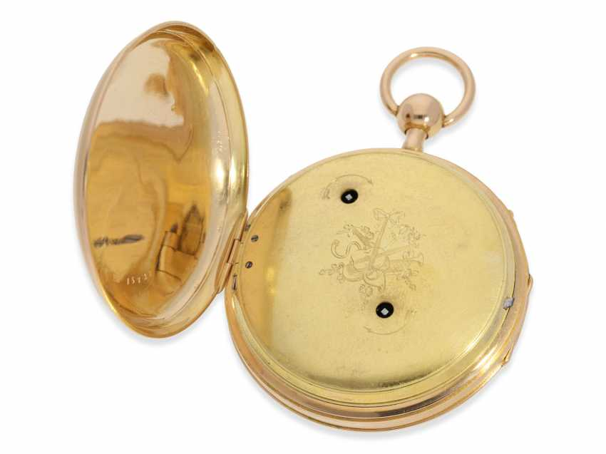 Pocket watch: a magnificent and very rare pocket watch with enamel painting, Repetition, and musical works, No. HC 15722, CA. 1820 - photo 4