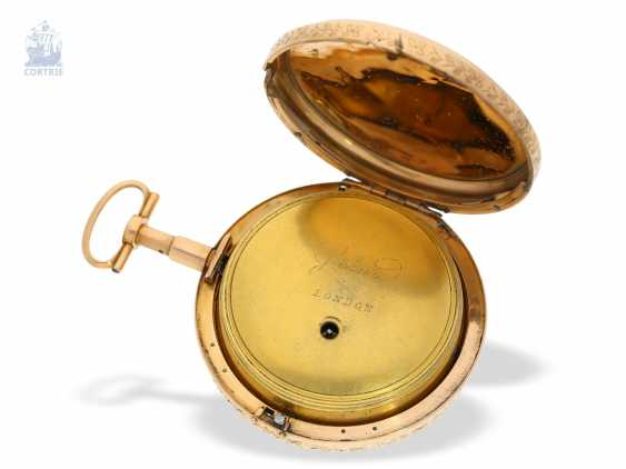Pocket watch: rarity, only known to us figure automaton Jacquemart, with a coaxially stacked arrangement of the bell and dial, Switzerland Liege for the English market, around 1800 - photo 2