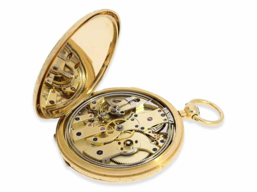 Pocket watch: a unique, early gold savonnette with Repetition, rarity from the early days of Patek Philippe, Patek & Cie. No. 10296, Geneva, CA. 1855, probably with original Box and original key - photo 6