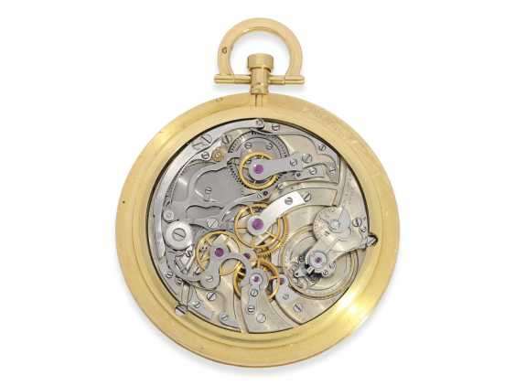 """Pocket watch: Cartier rarity, especially large, extra flat Cartier pocket watch with Chronograph and counter, """"Montre Couteau"""", No. 10549, excellent condition, CA. 1925 - photo 3"""