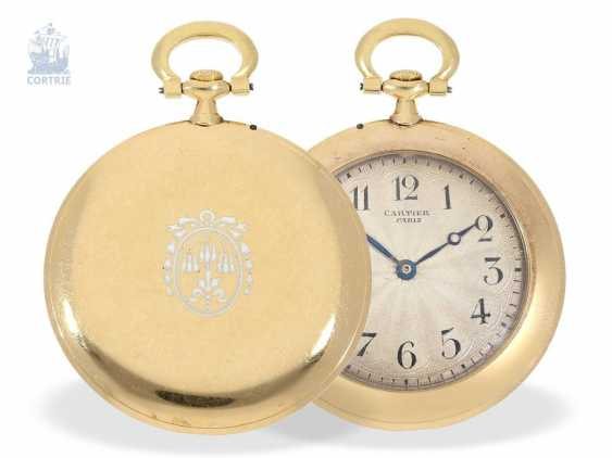 "Pocket watch: Cartier rarity, the smallest known Cartier, ""Montre Couteau"" with so-called ""Knife Edge""case, No. 1202, Paris, CA. 1905 - photo 1"