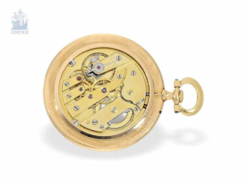 "Pocket watch: Cartier rarity, the smallest known Cartier, ""Montre Couteau"" with so-called ""Knife Edge""case, No. 1202, Paris, CA. 1905 - photo 3"