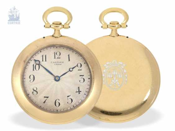 "Pocket watch: Cartier rarity, the smallest known Cartier, ""Montre Couteau"" with so-called ""Knife Edge""case, No. 1202, Paris, CA. 1905 - photo 6"