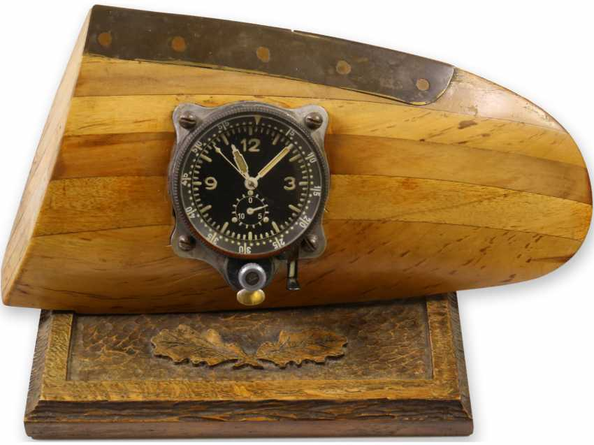 Clock/pilot's watch: historical pilot's watch from the Second world war, personal watch from the estate of a pilot of a Heinkel HE 111, reconnaissance squadron at fassberg, CA. 1940-1944 - photo 1