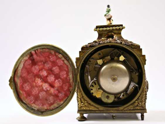 Desk clock/travel clock: a very rare, highly complicated officer's travel clock, probably Samuel Frederic R. No. 8732, Berlin at the end of 18. Century, watchmaker to the court of king Friedrich Wilhelm III of Prussia - photo 3