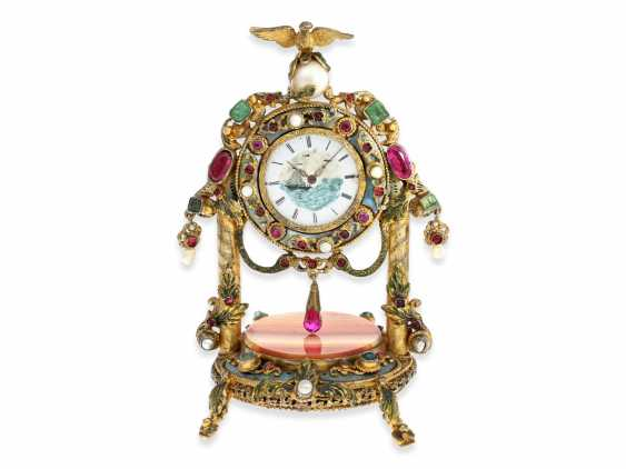 Table clock: magnificent miniature pendulum Desk clock with stone and beaded trim, silver Vienna gilt, probably around 1830 - photo 1