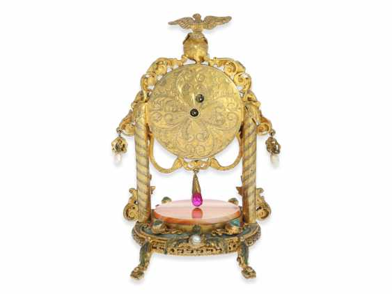Table clock: magnificent miniature pendulum Desk clock with stone and beaded trim, silver Vienna gilt, probably around 1830 - photo 2