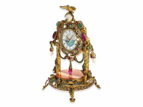 Table clock: magnificent miniature pendulum Desk clock with stone and beaded trim, silver Vienna gilt, probably around 1830 - photo 3