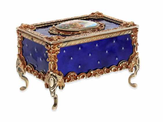 "Music box/musical singing bird box enamel singing bird automaton in excellent original condition with original key, Karl Griesbaum ""Rococo style"", CA. 1930-1960 - photo 3"