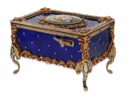 "Music box/musical singing bird box enamel singing bird automaton in excellent original condition with original key, Karl Griesbaum ""Rococo style"", CA. 1930-1960 - photo 4"