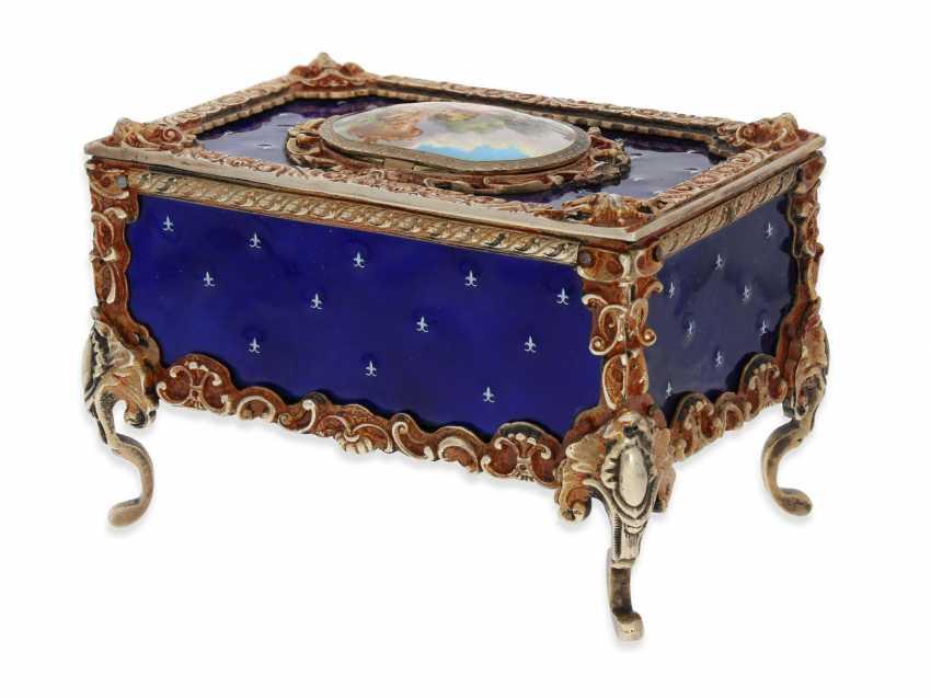 "Music box/musical singing bird box enamel singing bird automaton in excellent original condition with original key, Karl Griesbaum ""Rococo style"", CA. 1930-1960 - photo 5"