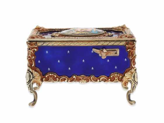 "Music box/musical singing bird box enamel singing bird automaton in excellent original condition with original key, Karl Griesbaum ""Rococo style"", CA. 1930-1960 - photo 7"
