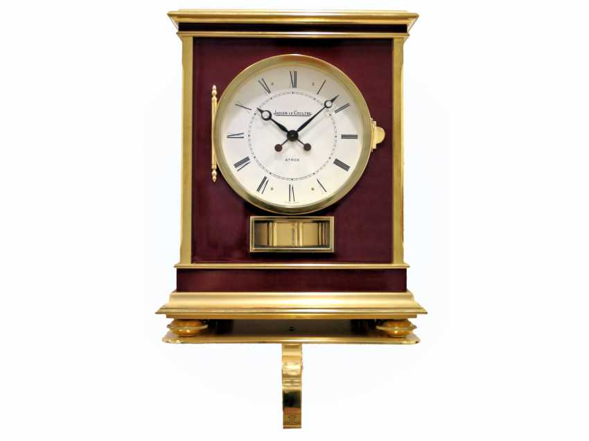 "Table clock/wall clock: very rare and large Jaeger Le Coultre Atmos model ""Embassy"" Bordeaux, original condition, Full Set with transport case, wall bracket, and proof of purchase of 1983 - photo 1"