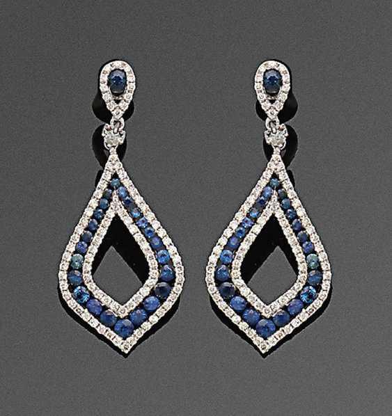 Pair of very fine sapphire and diamond drop earrings - photo 1