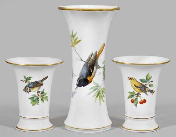 Three ornamental vases with bird decor - photo 1