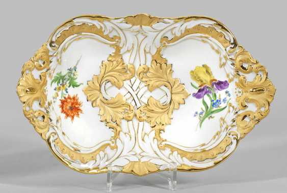 Ceremonial bowl with flowers decor - photo 1