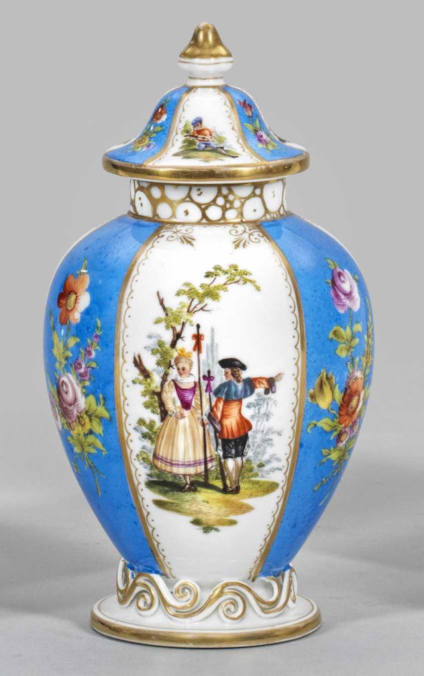 Small Biedermeier decoration vase with Watteau scenes - photo 1