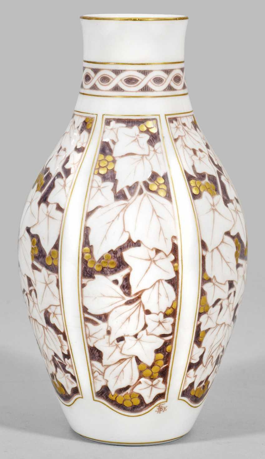 Art Nouveau Vase with vine leaf decoration - photo 1