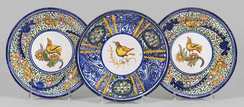 Three large plates with bird décor - photo 1