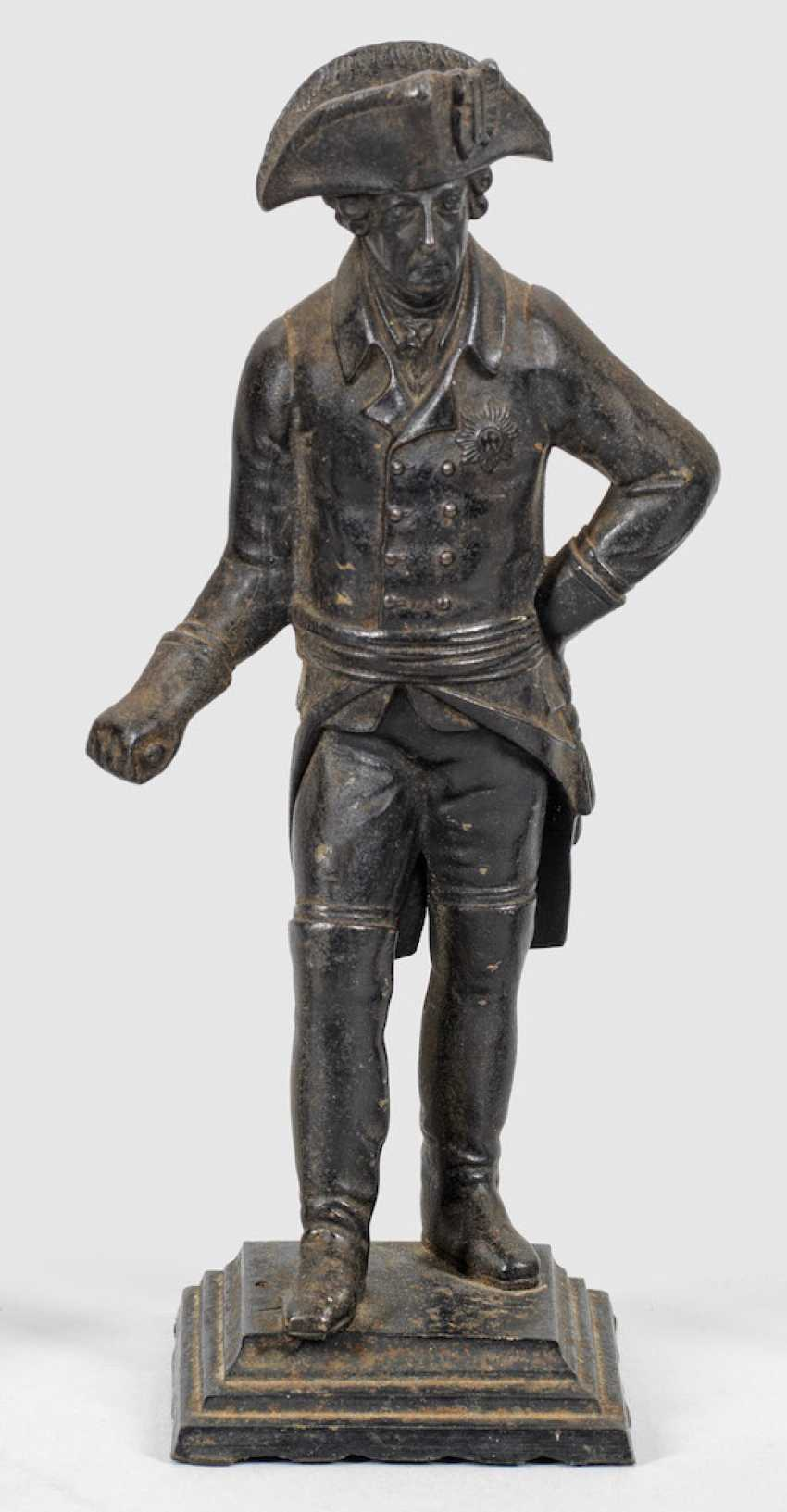 Small Statuette of king Frederick II of Prussia - photo 1