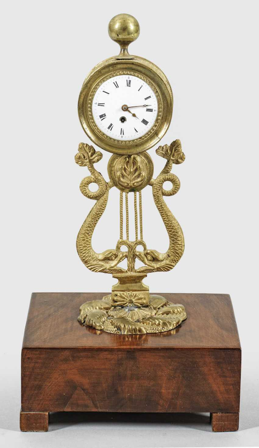 Small Biedermeier Table Clock - photo 1