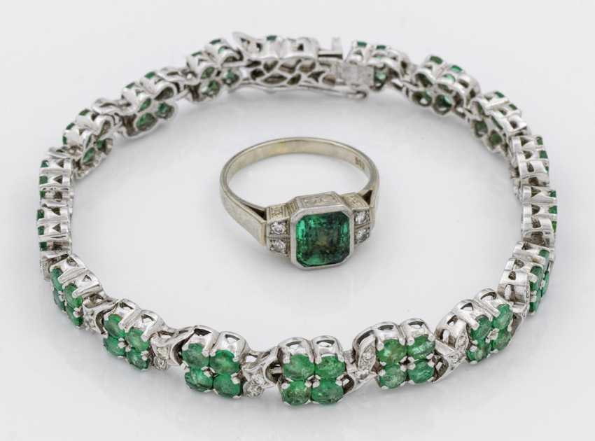 Emerald bracelet with a tourmaline ring - photo 1
