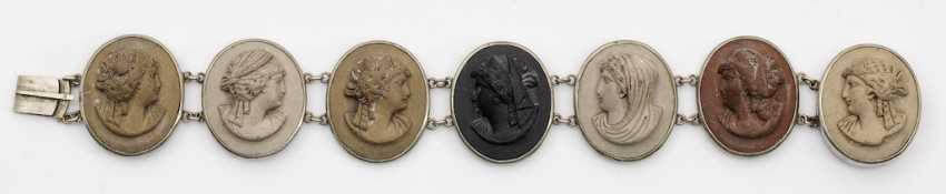 Biedermeier bracelet with cameos - photo 1