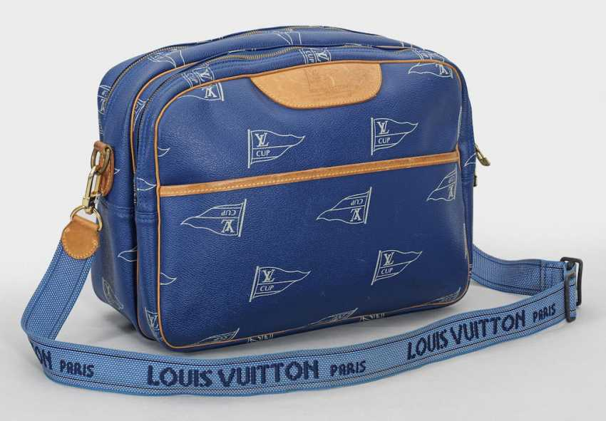 "Limited Edition Louis Vuitton ""America's Cup""-A Shoulder Bag - photo 1"