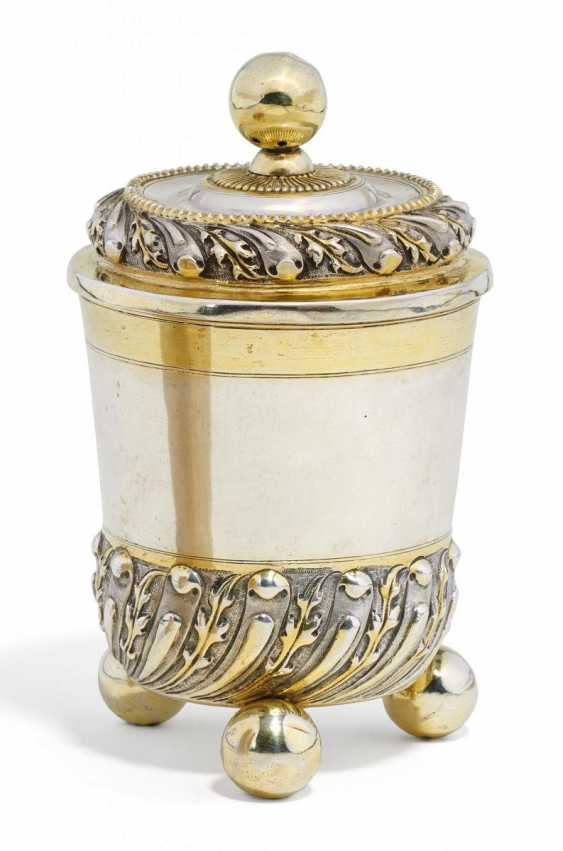 Large beaker with lid, on ball feet - photo 1