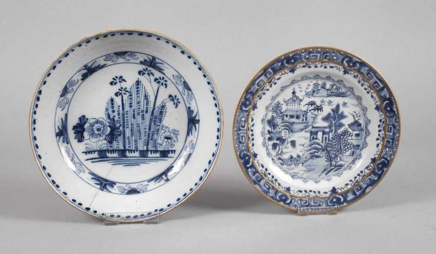 Plate and bowl in blue painting - photo 1