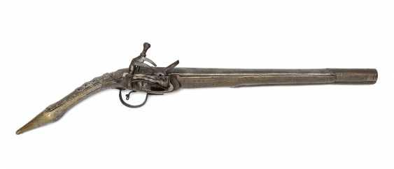 Snap-lock pistol - photo 1