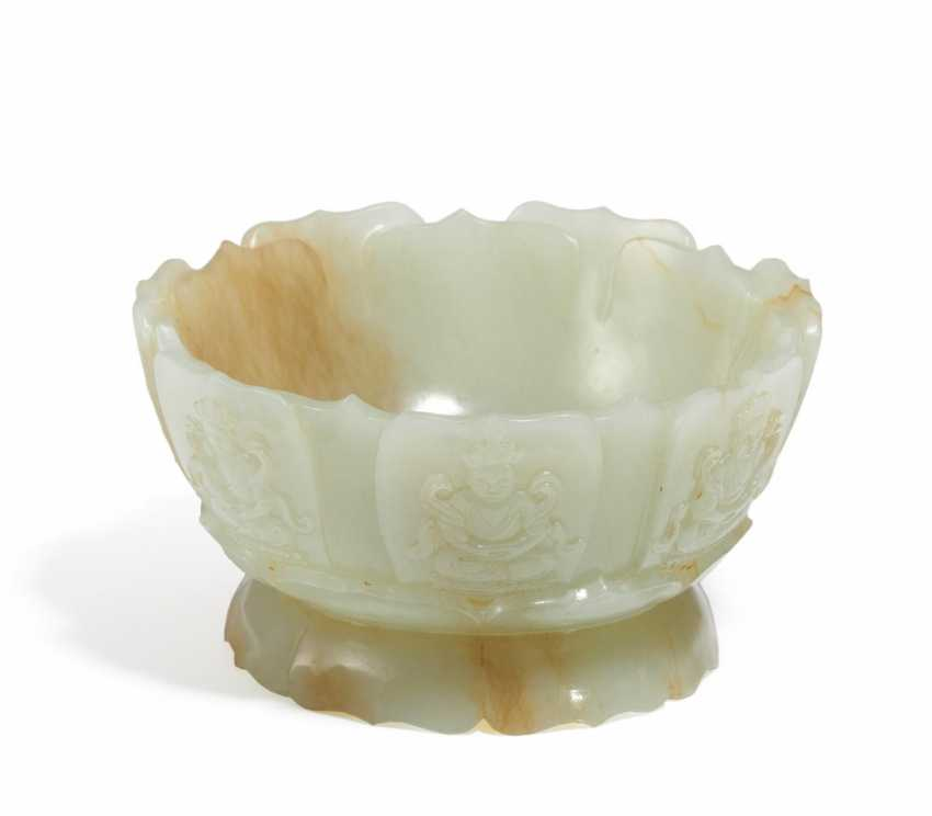 Lotus-shaped Cup with a seven-Lama - photo 1
