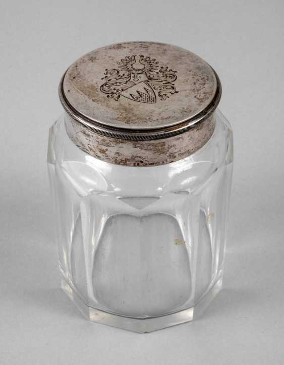 Lidded box with a knight's coat-of-arms - photo 1