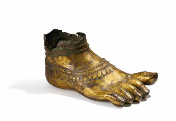 Right foot of a monumental Buddhist figure - photo 1