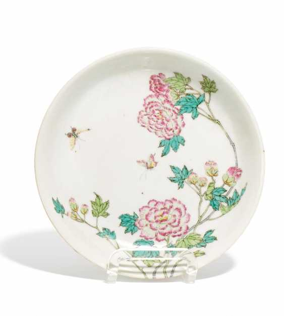 Exceptional plates with peonies - photo 1