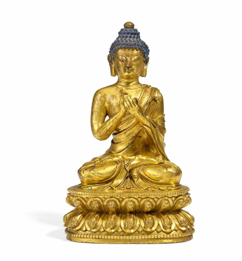 The Buddha with dharmachakra mudra - photo 1