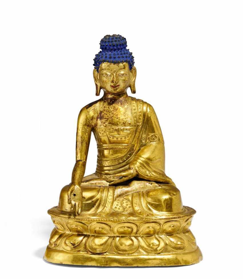 Sitzender Medizin-Buddha Bhaisajyaguru - photo 1