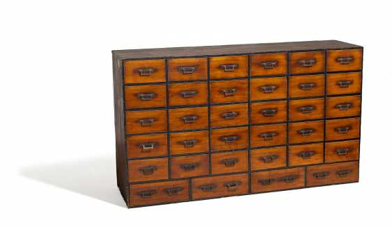 Big business-tansu with 34 drawers - photo 1