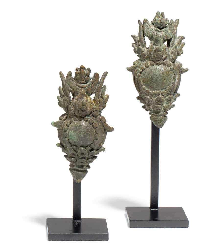 Pair of drop earrings with Garuda - photo 1