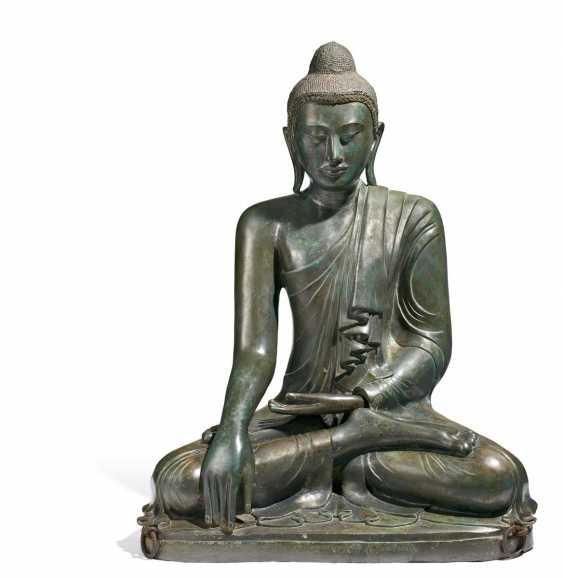 Impressive large figure of the Enlightened Buddha - photo 1