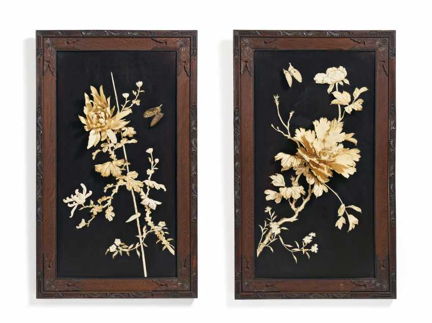 Two Panels with flowers and birds - photo 1