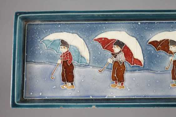 J. v. Black plate with children's motifs - photo 3